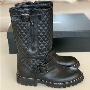 Chanel Black Quilted Leather high Booties 37